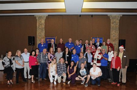 2017 Rotary Kids at Risk Holiday Party - Group photo